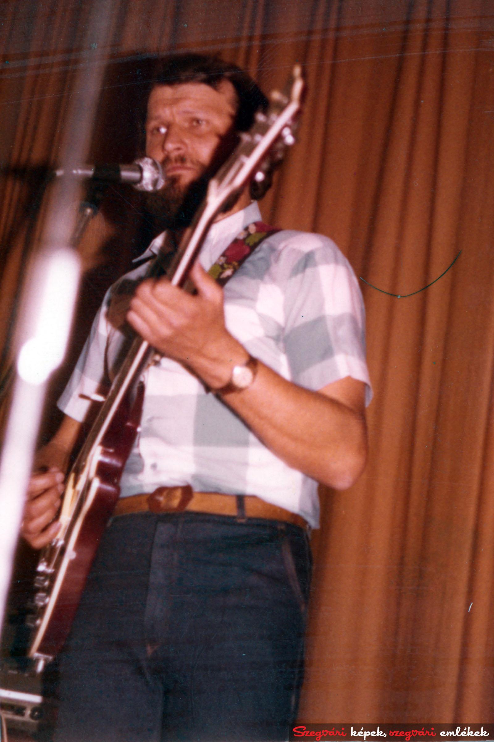 051 LWH 1975-1980. 026 – Fekete tulipántól a Lézerig, múltid